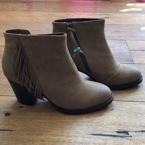 BRAND NEW fringe boots
